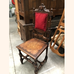 Antique chair stunning item