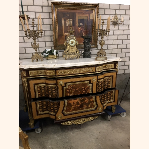 Italian mahogany cabinet with marble top and gold elements