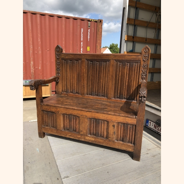 17th century oak chest / bench. Unique item with stunning details