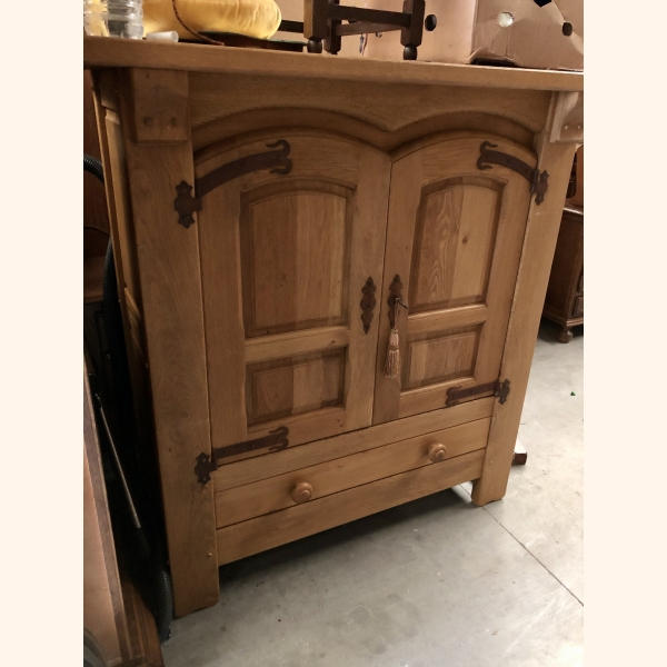 Stunning European oak cupboard full wood