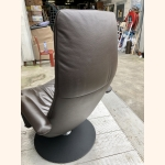 Full leather relax chair in dark brown. Mint condition.