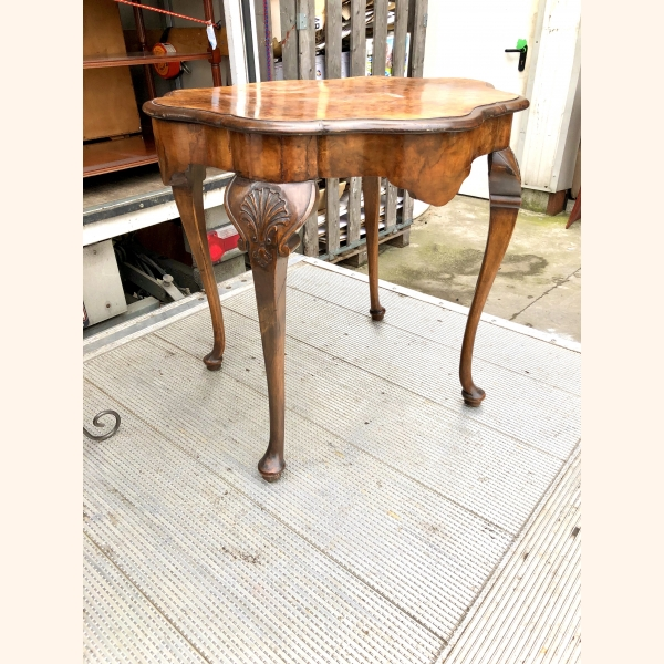 Antique side table in burr walnut 1900