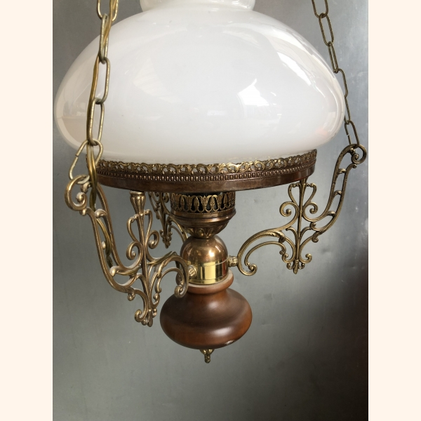 Impressive vintage lamp with copper elements