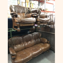 Absolutely stunning leather sofa set 3-1-1 in oak