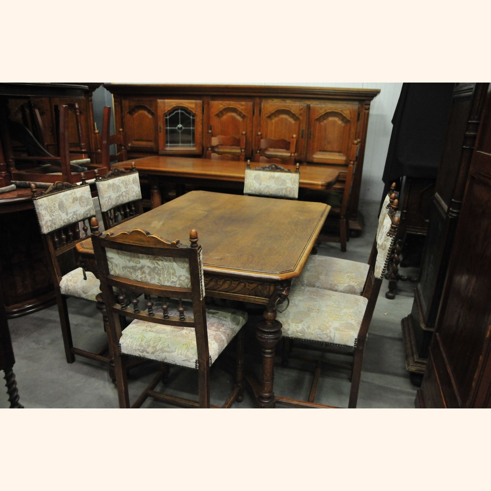 Beautiful antique dining room set a for Beautiful dining sets